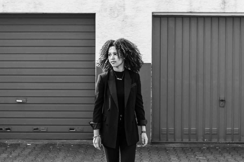 Laura-Fiederer-Fotografie- Fotograf-Portrait-Outdoor-Egelsbach-Einzelshooting-Beauty-12