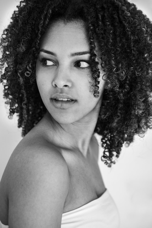 Laura-Fiederer-Fotografie- Fotograf-Portrait-Outdoor-Egelsbach-Einzelshooting-Beauty-13