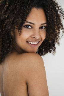 Laura-Fiederer-Fotografie- Fotograf-Portrait-Outdoor-Egelsbach-Einzelshooting-Beauty-16