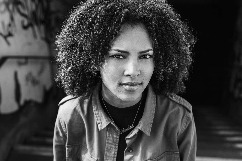 Laura-Fiederer-Fotografie- Fotograf-Portrait-Outdoor-Egelsbach-Einzelshooting-Beauty-3