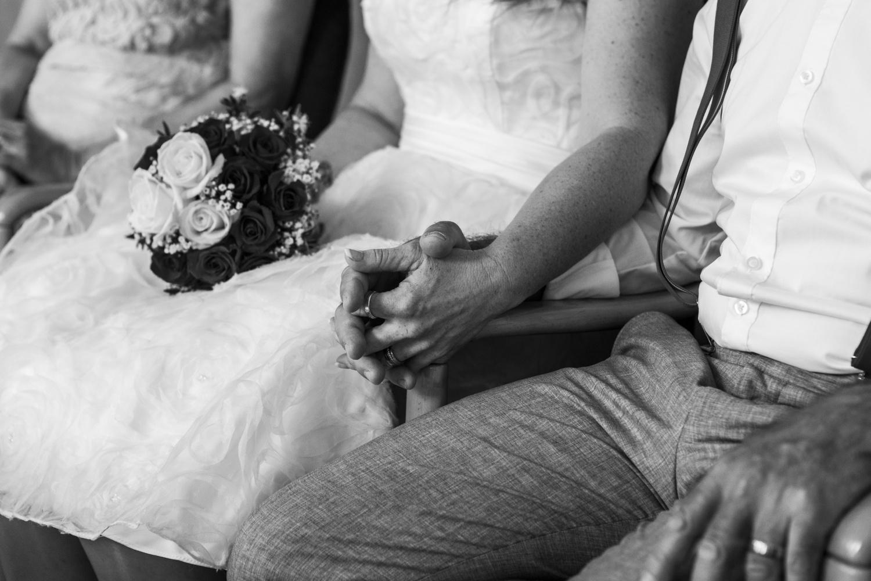 Laura-Fiederer-Fotografie-Hochzeit-Hochzeitsreportage-Kelsterbach-Standesamt-Trauung-Rüsselsheim-Festung-Stadtpark-11