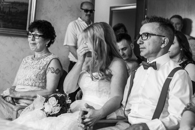 Laura-Fiederer-Fotografie-Hochzeit-Hochzeitsreportage-Kelsterbach-Standesamt-Trauung-Rüsselsheim-Festung-Stadtpark-12