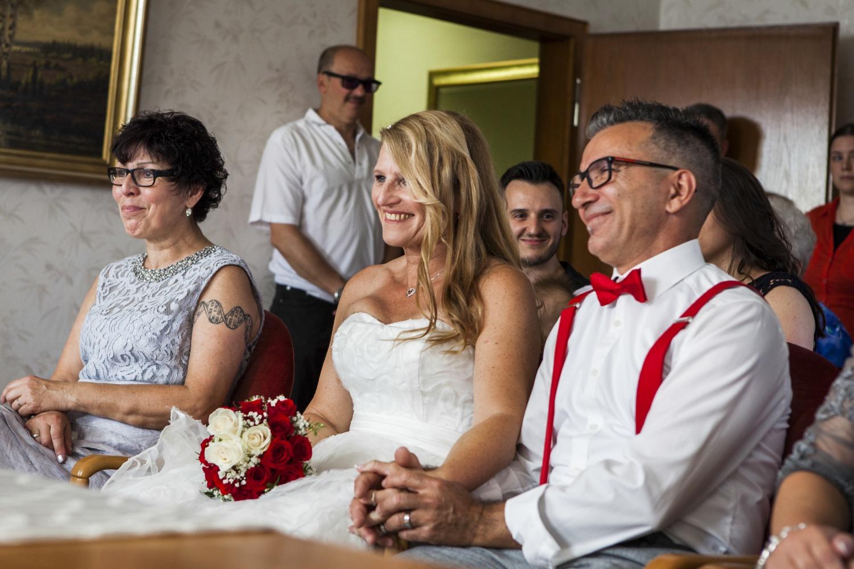 Laura-Fiederer-Fotografie-Hochzeit-Hochzeitsreportage-Kelsterbach-Standesamt-Trauung-Rüsselsheim-Festung-Stadtpark-13