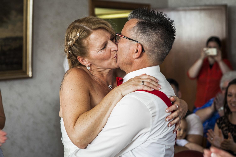 Laura-Fiederer-Fotografie-Hochzeit-Hochzeitsreportage-Kelsterbach-Standesamt-Trauung-Rüsselsheim-Festung-Stadtpark-20