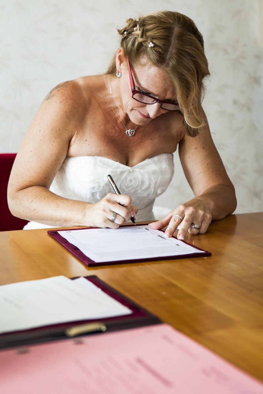 Laura-Fiederer-Fotografie-Hochzeit-Hochzeitsreportage-Kelsterbach-Standesamt-Trauung-Rüsselsheim-Festung-Stadtpark-22