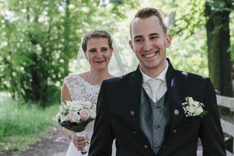 Laura-Fiederer-Fotografie-Hochzeitsfotos-Brautpaar-Hochzeitsfotografie-Mönchbruch-Hochzeitsfotografin-Mörfelden-Walldorf-Paarshooting-10