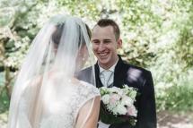 Laura-Fiederer-Fotografie-Hochzeitsfotos-Brautpaar-Hochzeitsfotografie-Mönchbruch-Hochzeitsfotografin-Mörfelden-Walldorf-Paarshooting-15