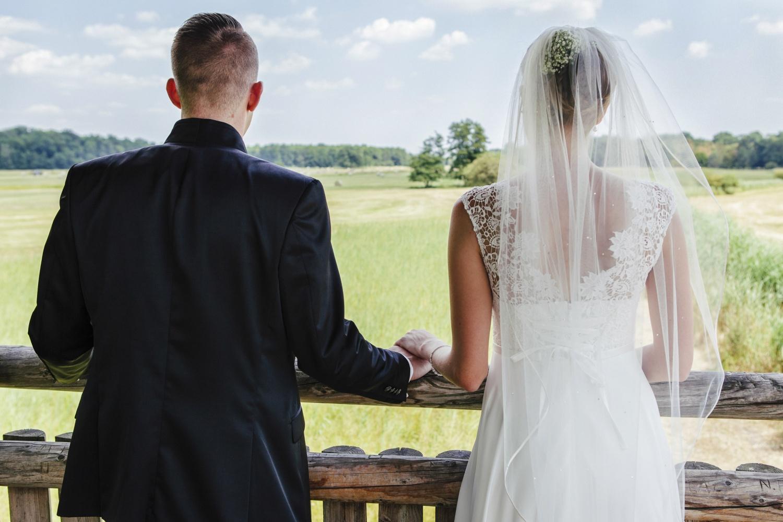 Laura-Fiederer-Fotografie-Hochzeitsfotos-Brautpaar-Hochzeitsfotografie-Mönchbruch-Hochzeitsfotografin-Mörfelden-Walldorf-Paarshooting-37