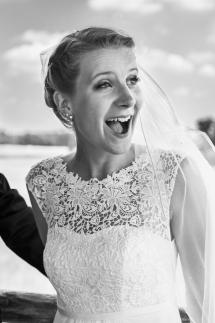 Laura-Fiederer-Fotografie-Hochzeitsfotos-Brautpaar-Hochzeitsfotografie-Mönchbruch-Hochzeitsfotografin-Mörfelden-Walldorf-Paarshooting-42