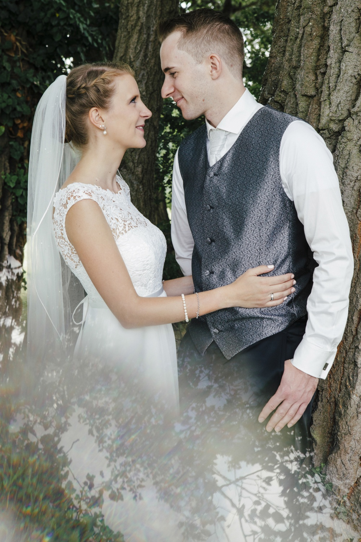 Laura-Fiederer-Fotografie-Hochzeitsfotos-Brautpaar-Hochzeitsfotografie-Mönchbruch-Hochzeitsfotografin-Mörfelden-Walldorf-Paarshooting-43