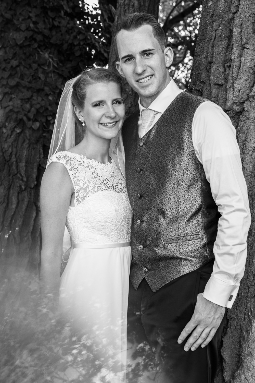 Laura-Fiederer-Fotografie-Hochzeitsfotos-Brautpaar-Hochzeitsfotografie-Mönchbruch-Hochzeitsfotografin-Mörfelden-Walldorf-Paarshooting-44
