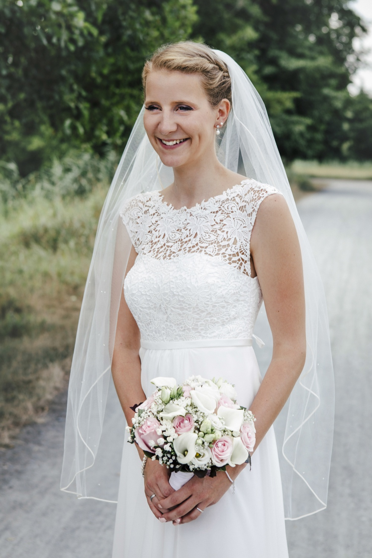 Laura-Fiederer-Fotografie-Hochzeitsfotos-Brautpaar-Hochzeitsfotografie-Mönchbruch-Hochzeitsfotografin-Mörfelden-Walldorf-Paarshooting-46