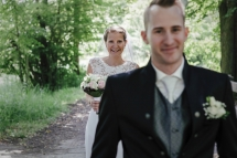 Laura-Fiederer-Fotografie-Hochzeitsfotos-Brautpaar-Hochzeitsfotografie-Mönchbruch-Hochzeitsfotografin-Mörfelden-Walldorf-Paarshooting-8