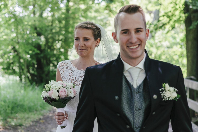Laura-Fiederer-Fotografie-Hochzeitsfotos-Brautpaar-Hochzeitsfotografie-Mönchbruch-Hochzeitsfotografin-Mörfelden-Walldorf-Paarshooting-9