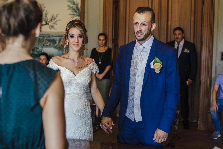 Hochzeit-Standesamt-Hanau-Schloss-Philippsruhe-Reportage-Paarshooting-Hochzeitsfotograf-Laura-Fiederer-Fotografie-24