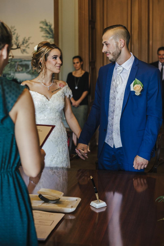 Hochzeit-Standesamt-Hanau-Schloss-Philippsruhe-Reportage-Paarshooting-Hochzeitsfotograf-Laura-Fiederer-Fotografie-25