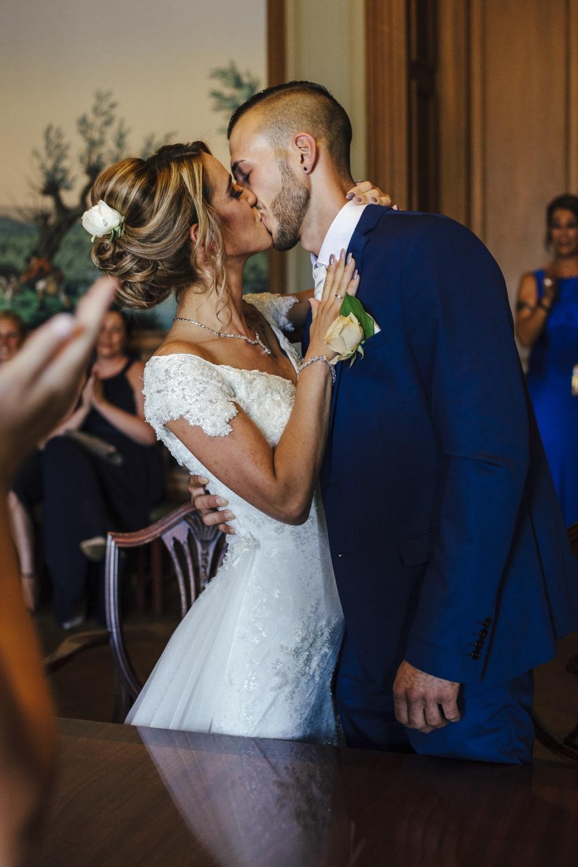 Hochzeit-Standesamt-Hanau-Schloss-Philippsruhe-Reportage-Paarshooting-Hochzeitsfotograf-Laura-Fiederer-Fotografie-29