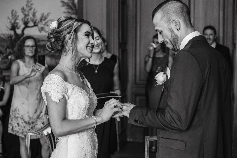 Hochzeit-Standesamt-Hanau-Schloss-Philippsruhe-Reportage-Paarshooting-Hochzeitsfotograf-Laura-Fiederer-Fotografie-32
