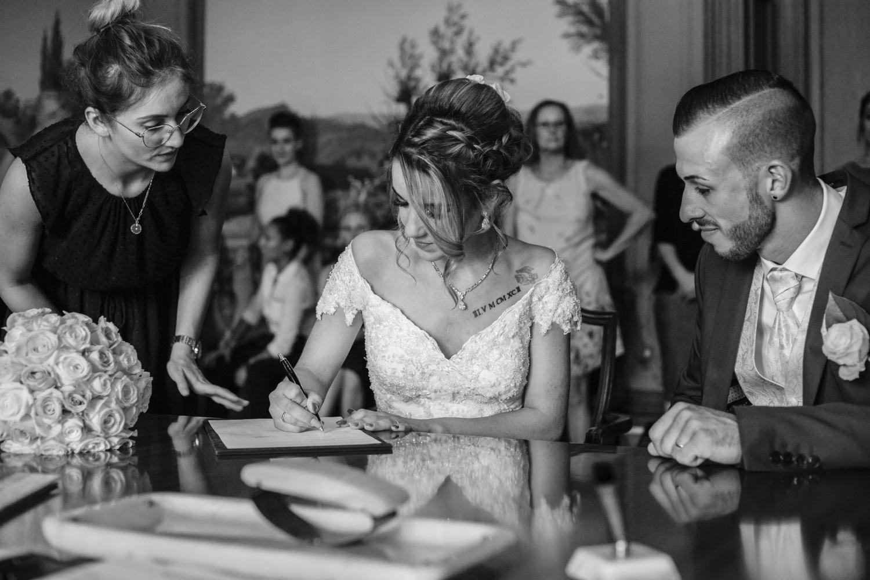 Hochzeit-Standesamt-Hanau-Schloss-Philippsruhe-Reportage-Paarshooting-Hochzeitsfotograf-Laura-Fiederer-Fotografie-34