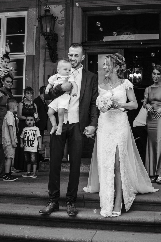 Hochzeit-Standesamt-Hanau-Schloss-Philippsruhe-Reportage-Paarshooting-Hochzeitsfotograf-Laura-Fiederer-Fotografie-39