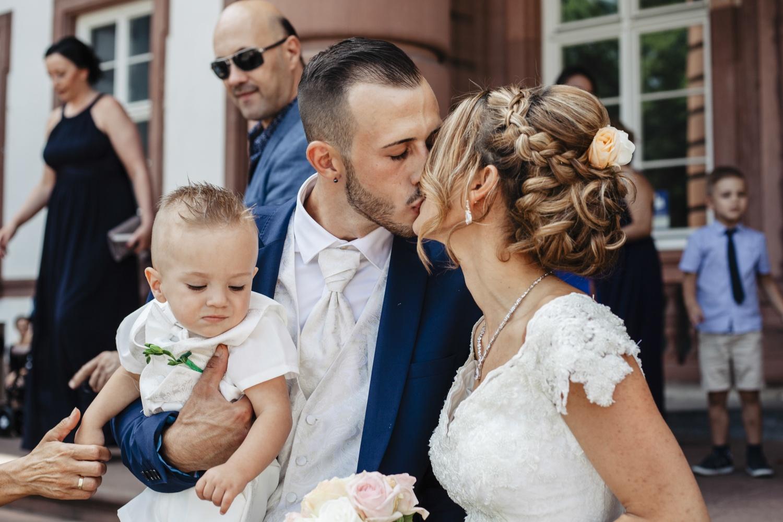 Hochzeit-Standesamt-Hanau-Schloss-Philippsruhe-Reportage-Paarshooting-Hochzeitsfotograf-Laura-Fiederer-Fotografie-42