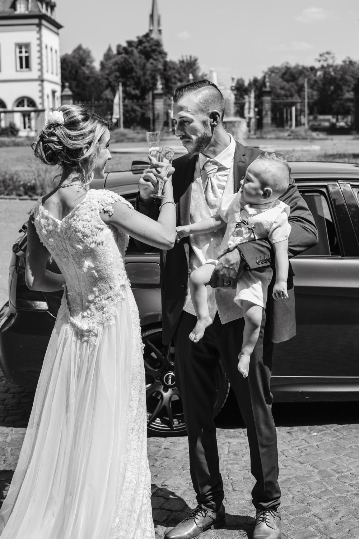 Hochzeit-Standesamt-Hanau-Schloss-Philippsruhe-Reportage-Paarshooting-Hochzeitsfotograf-Laura-Fiederer-Fotografie-43
