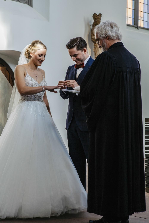 Laura-Fiederer-Fotografie-Hochzeit-Hochzeitsreportage-Groß-Gerau-Darmstadt-Ponyhof-Trauung-24