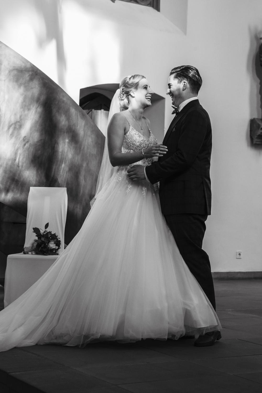 Laura-Fiederer-Fotografie-Hochzeit-Hochzeitsreportage-Groß-Gerau-Darmstadt-Ponyhof-Trauung-25