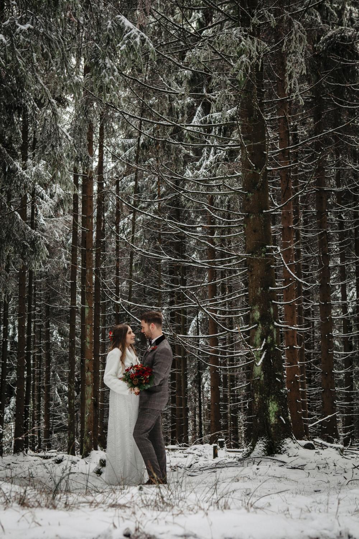 Hochzeit-Hochzeitsfotograf-Laura-Fiederer-Fotografie-Feldberg-Hochzeitsbilder-Mörfelden-Walldorf-16