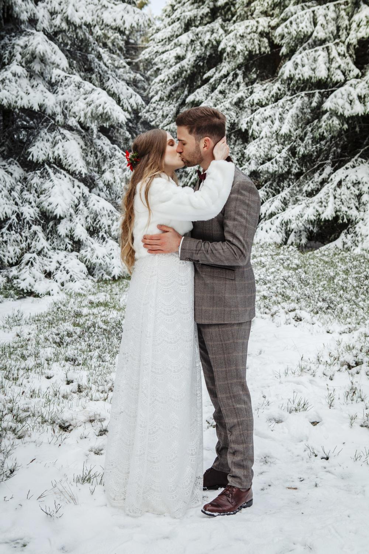 Hochzeit-Hochzeitsfotograf-Laura-Fiederer-Fotografie-Feldberg-Hochzeitsbilder-Mörfelden-Walldorf-25