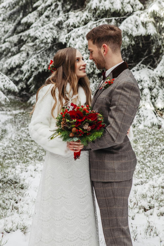 Hochzeit-Hochzeitsfotograf-Laura-Fiederer-Fotografie-Feldberg-Hochzeitsbilder-Mörfelden-Walldorf-29
