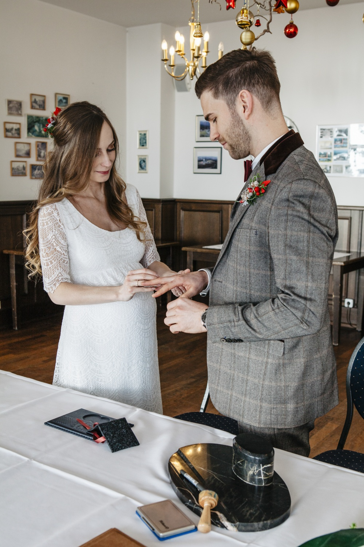 Hochzeit-Hochzeitsfotograf-Laura-Fiederer-Fotografie-Feldberg-Hochzeitsbilder-Mörfelden-Walldorf-4