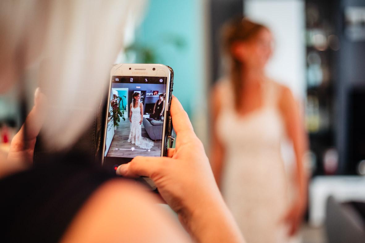 19-Hochzeit-Reportage-Getting-Ready-Groß-Gerau-Laura-Fiederer-Fotografie-Hochzeitsfotograf