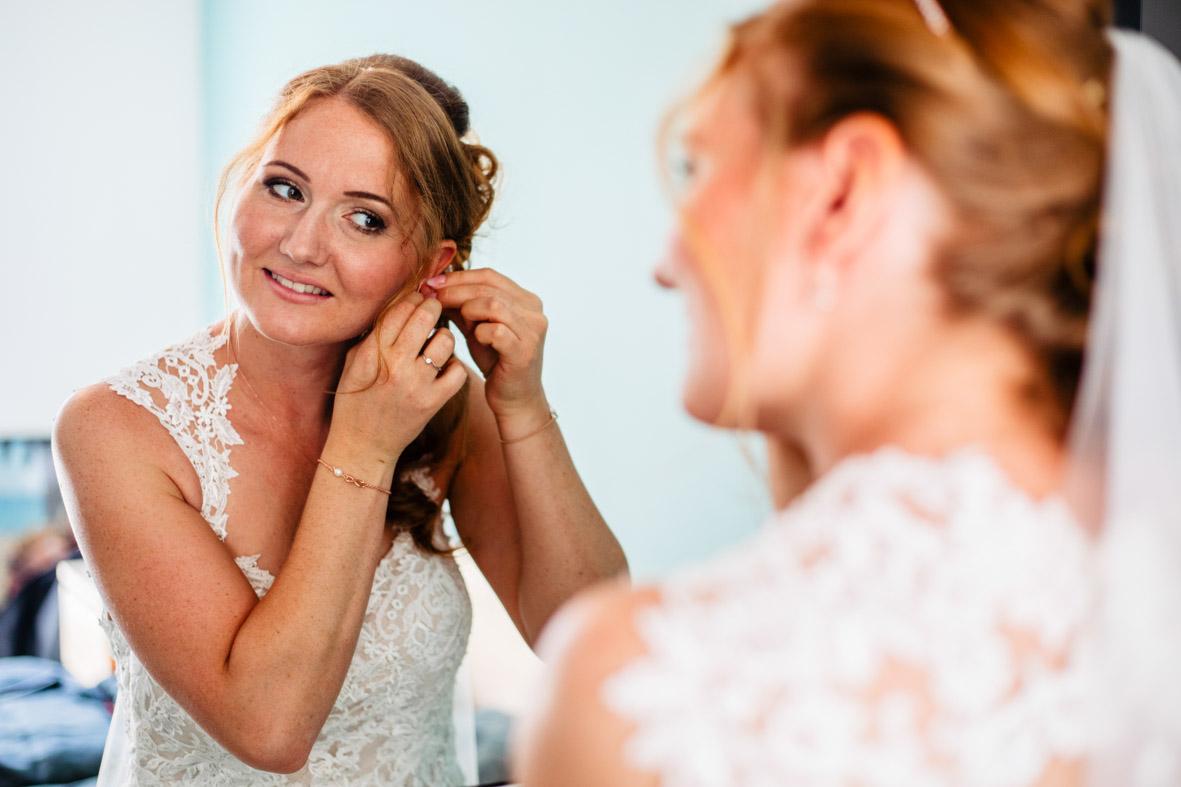 20-Hochzeit-Reportage-Getting-Ready-Groß-Gerau-Laura-Fiederer-Fotografie-Hochzeitsfotograf