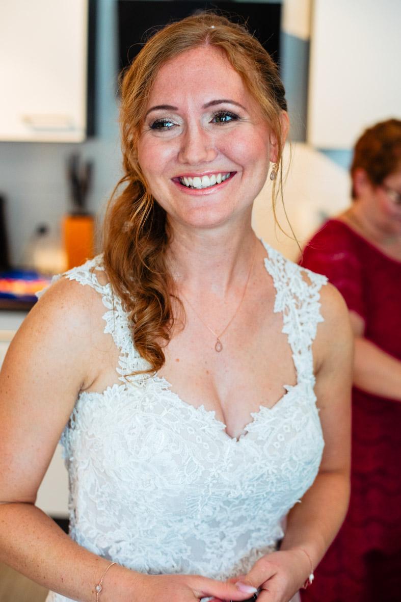 25-Hochzeit-Reportage-Getting-Ready-Groß-Gerau-Laura-Fiederer-Fotografie-Hochzeitsfotograf