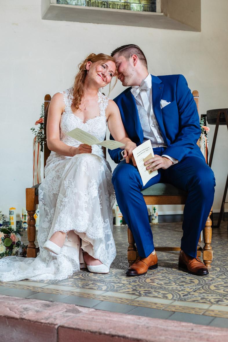 32-Hochzeit-Reportage-Trauung-Kirche-Groß-Gerau-Wallerstaedten-Laura-Fiederer-Fotografie-Hochzeitsfotograf