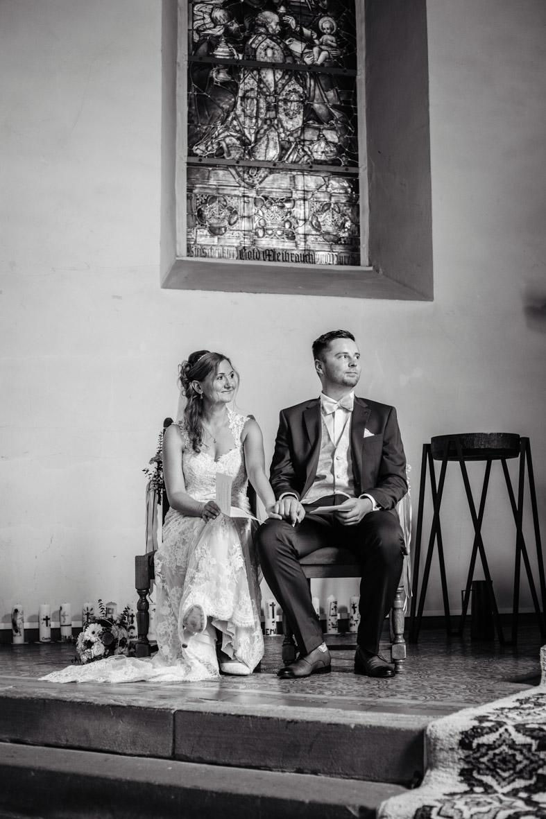 33-Hochzeit-Reportage-Trauung-Kirche-Groß-Gerau-Wallerstaedten-Laura-Fiederer-Fotografie-Hochzeitsfotograf