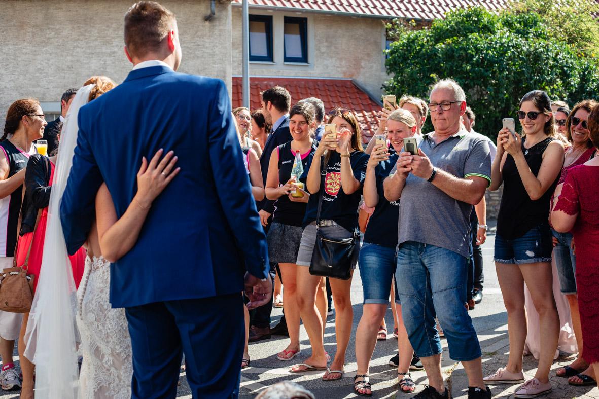 48-Hochzeit-Reportage-Trauung-Kirche-Groß-Gerau-Wallerstaedten-Laura-Fiederer-Fotografie-Hochzeitsfotograf