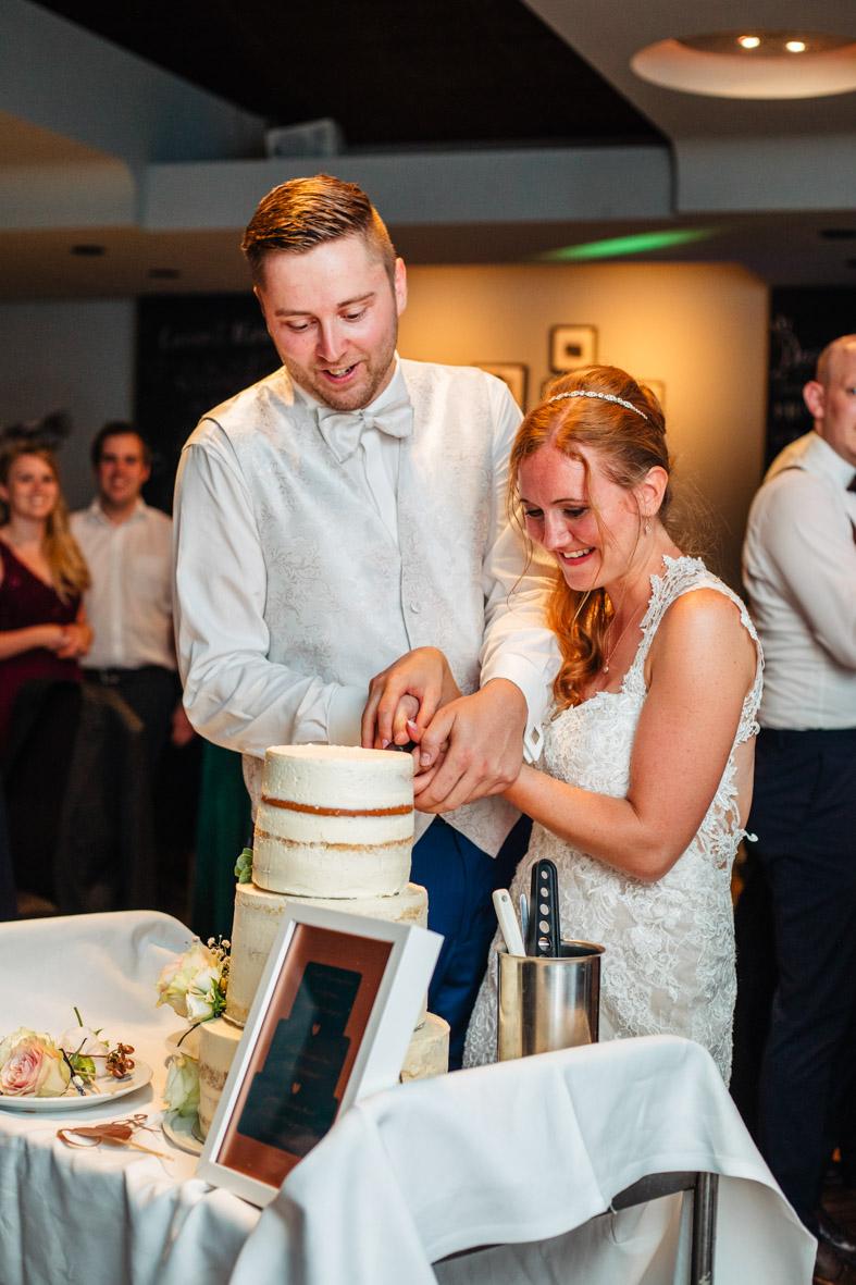 93-Hochzeit-Reportage-Mainzblick-Wiesbaden-Laura-Fiederer-Fotografie-Hochzeitsfotograf