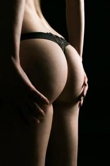 1-Aktshooting erotisch Unterwäsche Portrait Studiofotografie Laura Fiederer Mörfelden-Walldorf