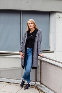 18-Portraitbilder Outdoorshooting Fotograf Frauen Laura Fiederer Fotografie Mainz Frankfurt Darmstadt