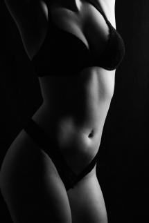5-Aktshooting erotisch Unterwäsche Portrait Studiofotografie Laura Fiederer Mörfelden-Walldorf
