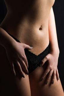 6-Aktshooting erotisch Unterwäsche Portrait Studiofotografie Laura Fiederer Mörfelden-Walldorf